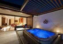 Paradise Island Resort& Spa 4* repülőjeggyel