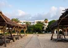 Les Orangers Beach Resort & Bungalows